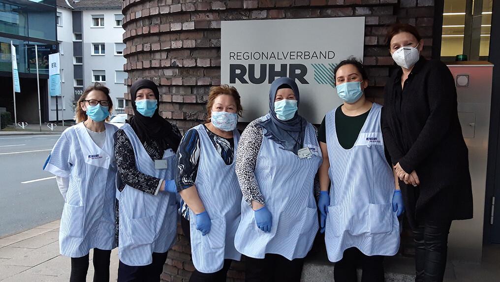 Reinigungsfachkräfte-vor-Ruhr-Schild
